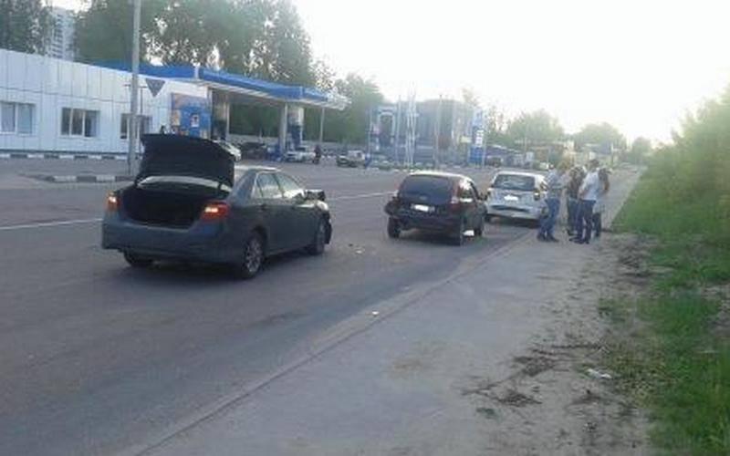 В массовом ДТП вБрянске пострадали два человека