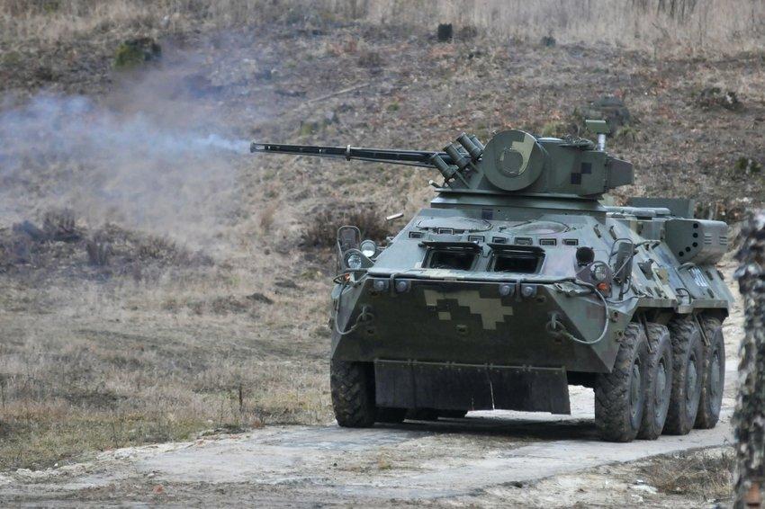 На границе с Крымом заметили украинские танки