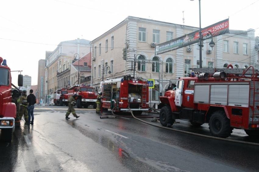 Крупный пожар произошел в исторической части Владивостока