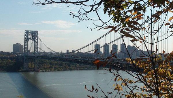 В реку Гудзон в Нью-Йорке упал малый самолет