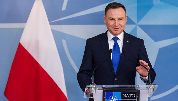 Президент Польши обсудит санкции в отношении РФ в ходе визита в Германию