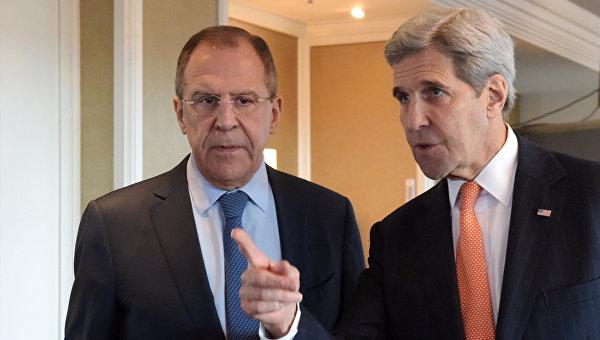 Лавров и Керри обсудили по телефону Украину и двусторонние отношения