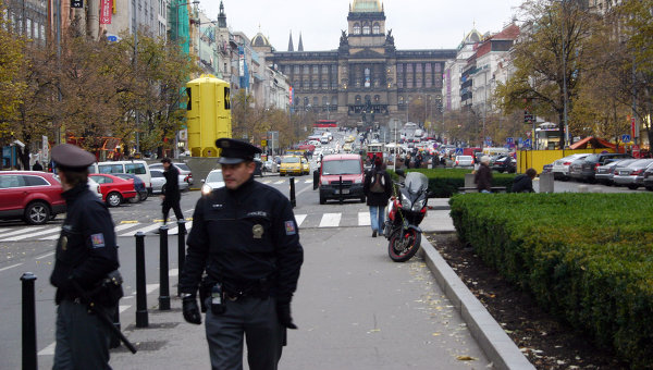 В Чехии задержали 10 человек за изготовление фальшивых литовских документов