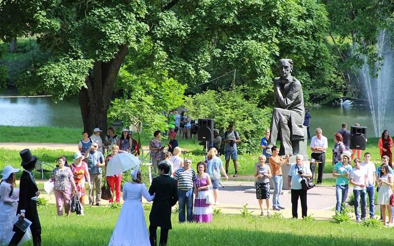 В брянском музее-заповеднике «Овстуг» проведут всероссийский праздник поэзии