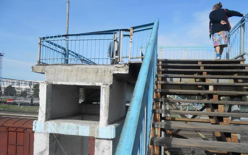 Суд обязал РЖД перестроить аварийный пешеходный мост навокзале Брянск-II