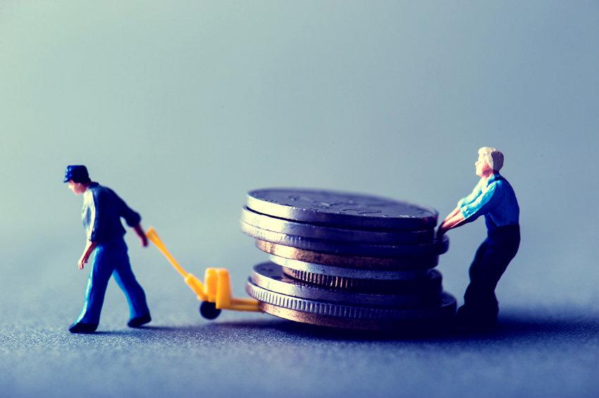 Банкам запретили беспокоить родных должников, если те не поручители