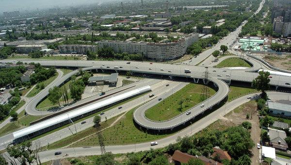 В Алма-Ате более двухсот человек эвакуированы из накренившейся девятиэтажки