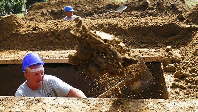 В Венгрии прошли соревнования по скоростному рытью могил