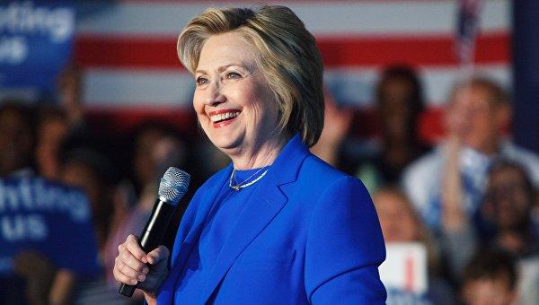 Клинтон набрала необходимое число голосов для выдвижения в президенты