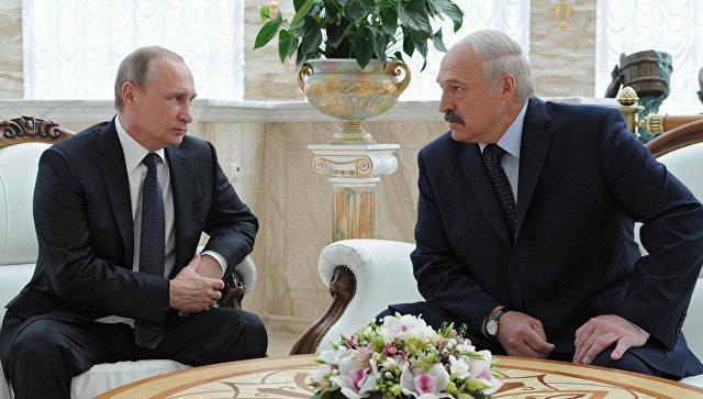 Путин посетил в Минске выставку