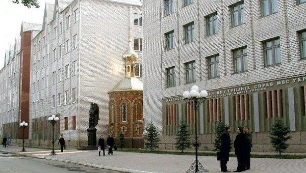 Власти Луганской области освободили абитуриентов Донбасса от госэкзамена