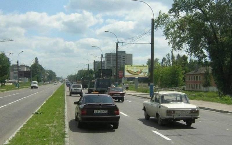 Брянские автомобилисты жалуются наразбитую дорогу попроспекту Московскому