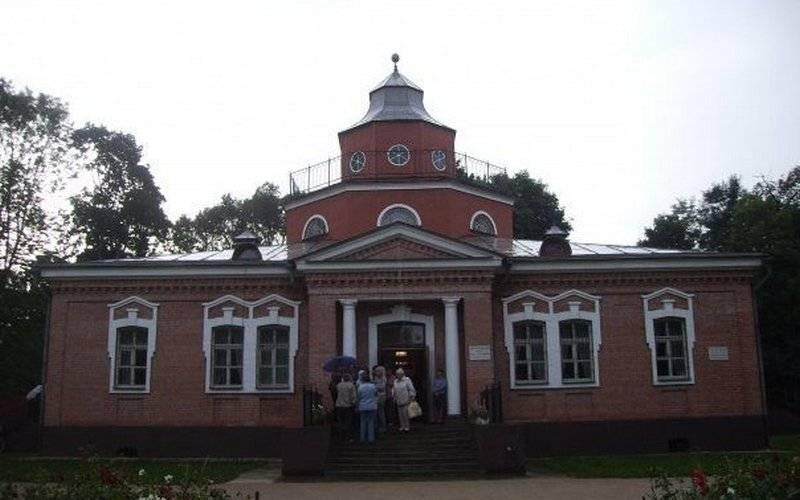 Брянский музей-усадьба Алексея Толстого из-за полумиллионного долга остался безсвета
