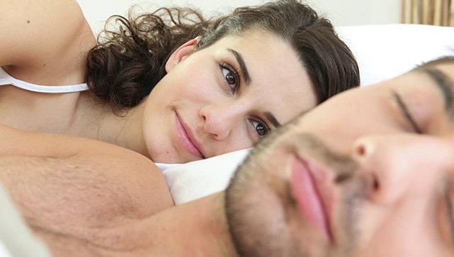 Жена снимает секс со спящим мужем советую