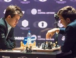 Карякин уступил Карлсену в десятой партии матча за шахматную корону