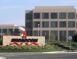 Конкурент Qualcomm хочет купить компанию за рекордные 130 000 000 000 долларов