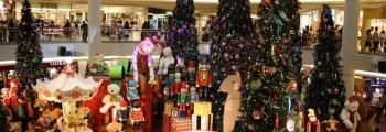 Рождество в магазине игрушек