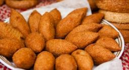 Фалафель, фатуш и кебаб: три блюда для кошерного обеда