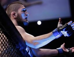 "Глава UFC заявил, что команда Нурмагомедова могла бы ""спасти"" бой"