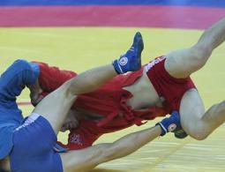 Российские борцы победили на Кубке мира по боевому самбо