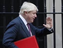 Глава МИД Великобритании отложил визит в Россию