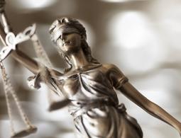 Брянский экс-участковый, за которого вступились жители, сбежал из суда
