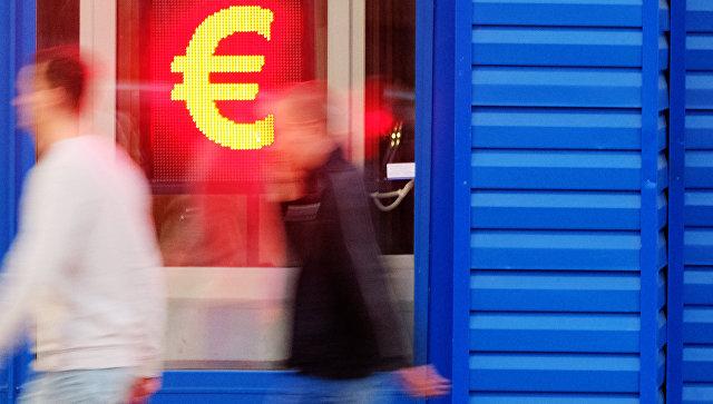Колебанием курса валют не обеспокоены 60% россиян, выяснили социологи