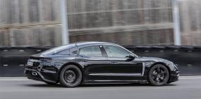 Видео: Экс-пилот Формулы-1 протестировал электрический Porsche