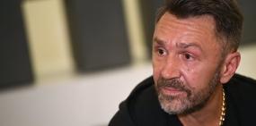 Шнуров объявил о разводе с женой