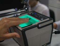 Российские банки с 1 июля начнут собирать биометрию клиентов