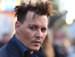 Член съемочной группы подал в суд на Джонни Деппа за избиение, сообщили СМИ