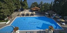 Booking.com обнулил рейтинги крымских отелей
