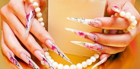 Названа опасность наращивания ногтей