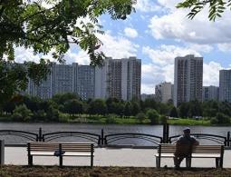 Холостяков в России вдвое больше, чем незамужних женщин, показал опрос
