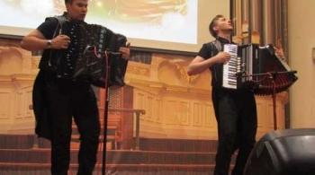 Новогодний аккордеон | Никита и Данил Шаравьёвы