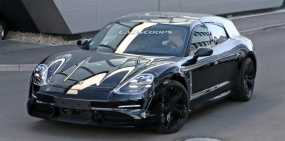Porsche начала испытания электрического универсала