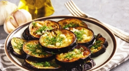 Рецепты осени: баклажаны в медовом соусе на скорую руку