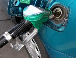 Власти проверят качество российского бензина