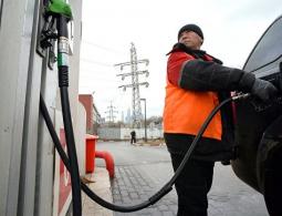 Бюджетный литр. Когда в России подешевеет бензин