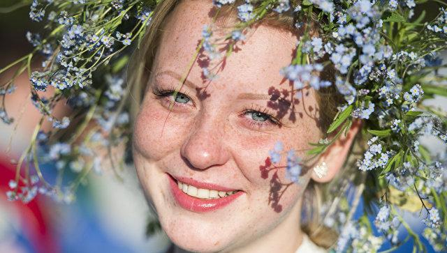 Исследование: россияне чувствуют себя счастливее жителей других стран