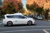 Видео: пассажиры прокатились на автономном такси без водителя