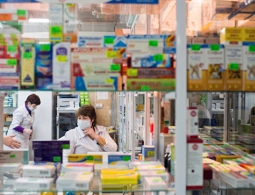 Госдума выступила против продажи лекарств в супермаркетах