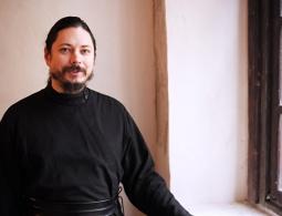 Иеромонах Фотий исполнит ораторию в память о погибших в Кемерово