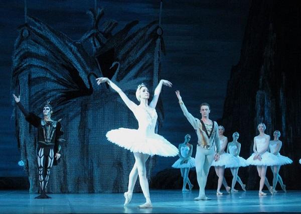 Лебединое озеро   Театр балета Юрия Григоровича