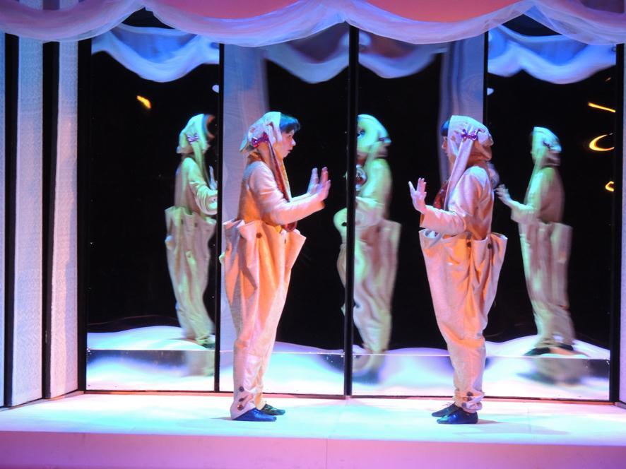Билеты в театры для детей в екатеринбурге купить билеты онлайн в кино мурманск онлайн северное сияние
